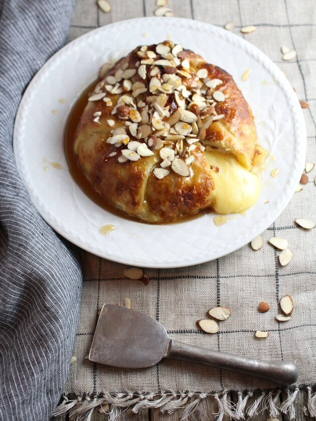 Baked-Brie-in-Puff-Pastry-with-Honey-and-Almonds-good-2