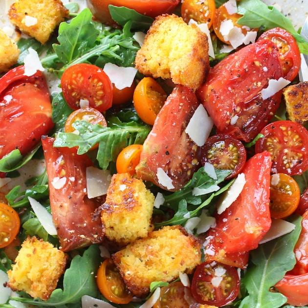 close up tomato and cornbread salad