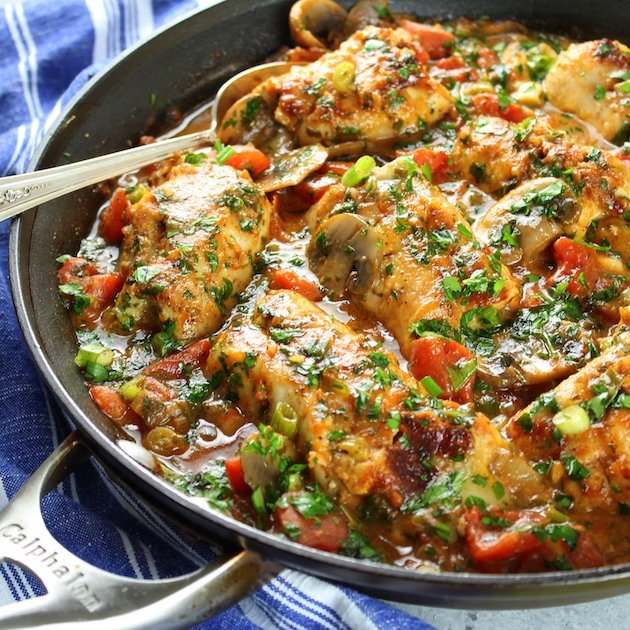 Italian chicken cooked with mushrooms and tomatoes