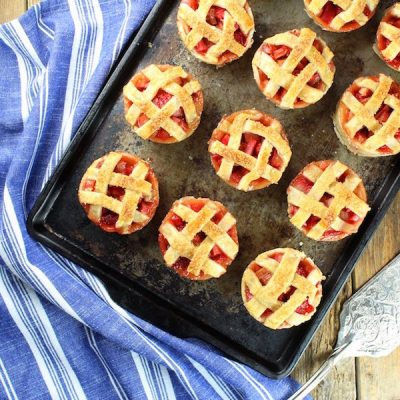 Recipe – Mini Strawberry Rhubarb Pies