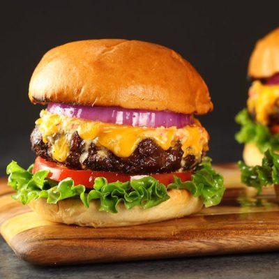Easy Pimento Cheese and Bacon Burger