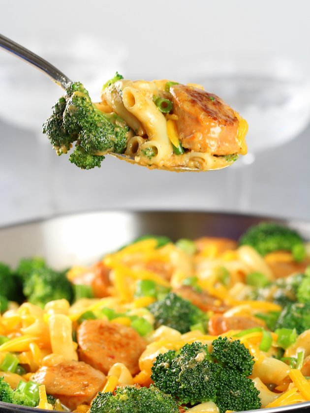 Spoonful of Buffalo Chicken Broccoli Mac and Cheese over pan