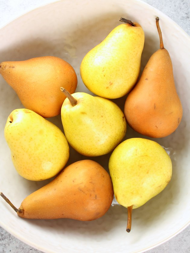 Pear Bourbon Skillet Crisp Recipe and Image Pears in a Bowl