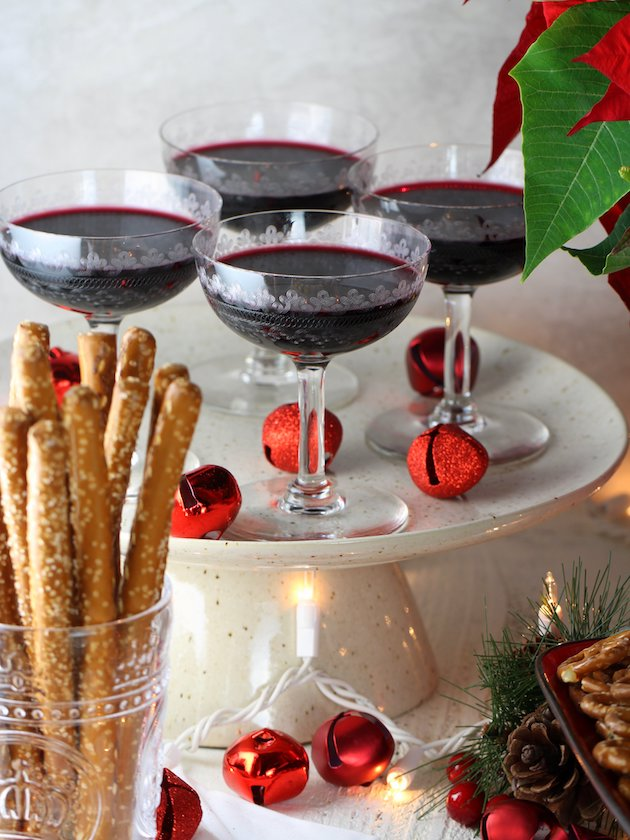 Secrets to a Stress-Free Holiday Party with Heluva Dip Tablescape