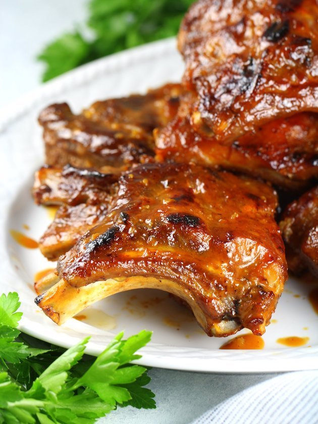 Instant Pot Baby Back Ribs Image and Recipe - EL CU ribs and sauce