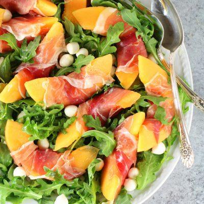 Melon Mozzarella Prosciutto Salad with Arugula