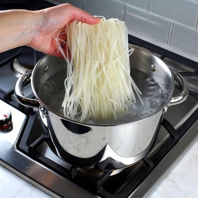 Shrimp Pad Thai Spring Rolls Recipe & Image - Cooking Pad Thai Noodles