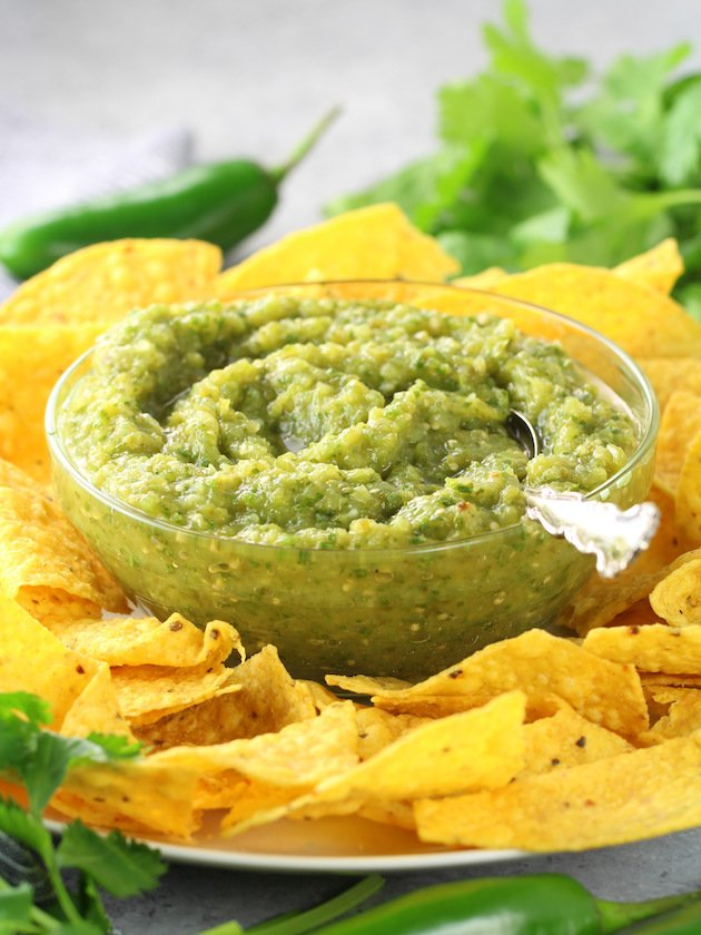 Salsa Verde Recipe & Image: Chips and salsa verde up close