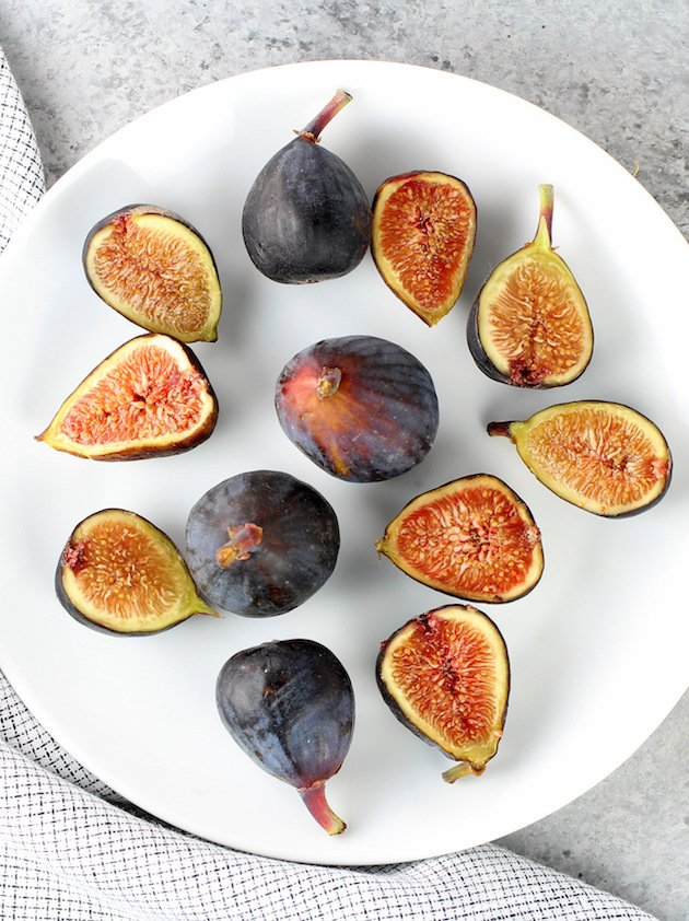 Fig Salad with Prosciutto and Mozzarella Recipe & Image: Plate of figs