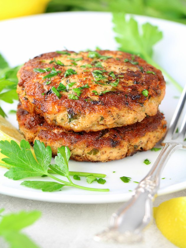 Easy Low Carb Salmon Patty Recipe & Image: stacked salmon cakes on plate