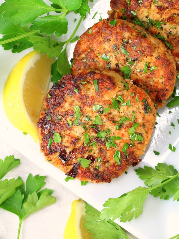 Easy Low Carb Salmon Patty Recipe & Image: salmon cakes on platter