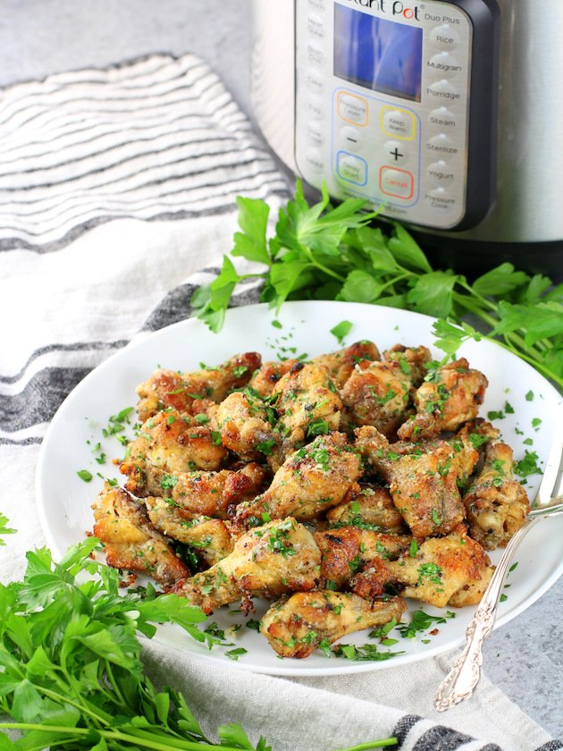 How to make Instant Pot Garlic Parmesan Chicken Wings
