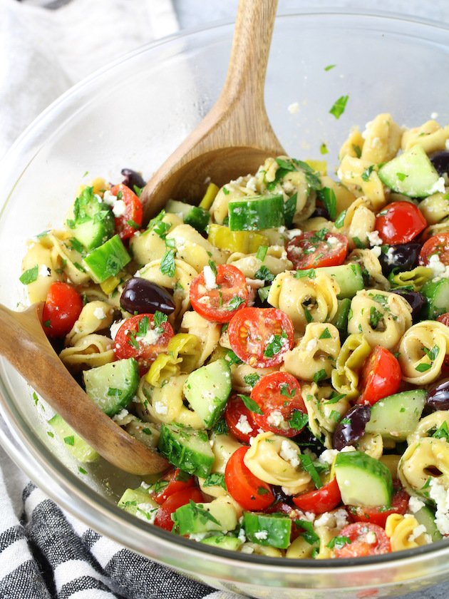 How to make tortellini salad