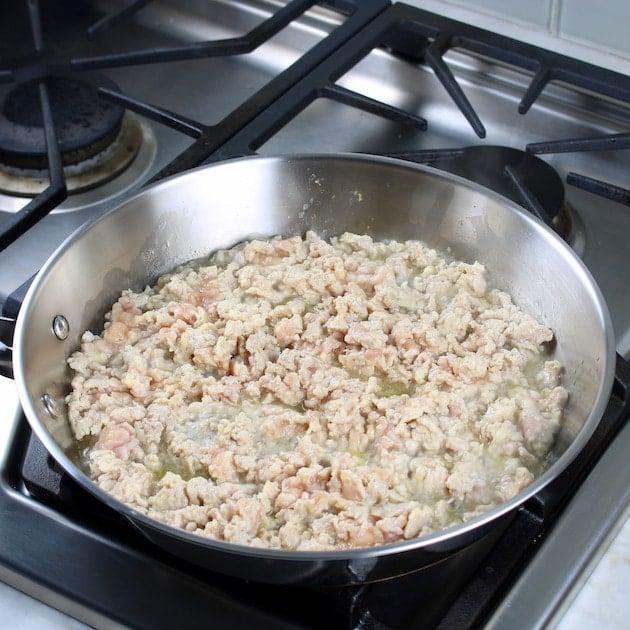 Cooking ground chicken meat