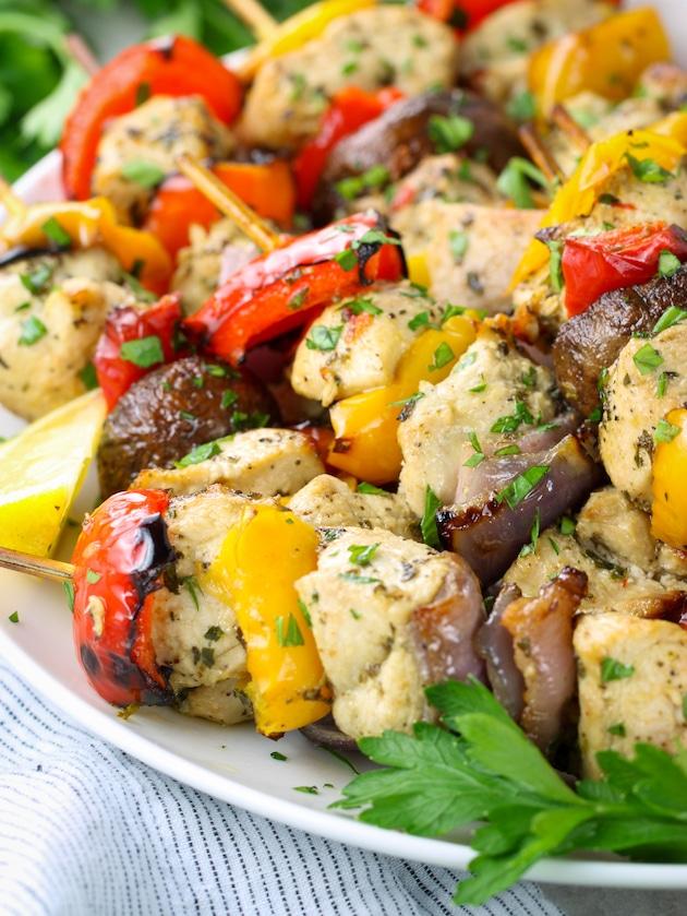 air fryer chicken skewers with vegetables