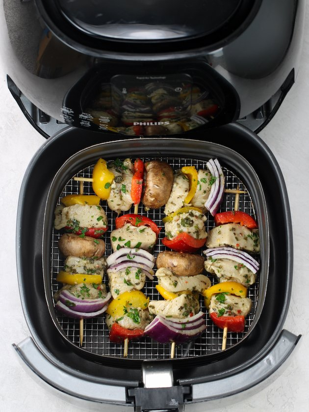 how to cook chicken kabobs in air fryer